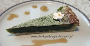 Tarta z kremowym nadzieniem z zielonej herbaty