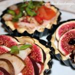 Tartaletki z figami, gruszkami i kozim serem