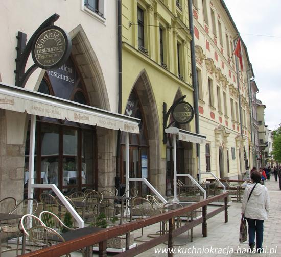 Czeska ulica pełna restauracji, Fot. Hanami®