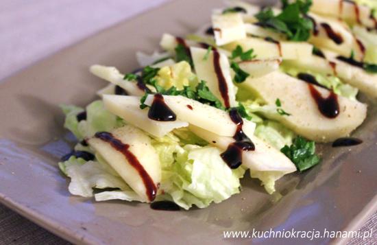 Szybka sałatka z owczym, serem i gruszkami, Fot. Hanami®