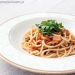 Makaron z sosem z żółtych pomidorów