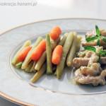Polędwiczki wieprzowe w sosie musztardowym podane z warzywami z wody
