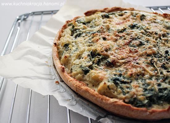 Quiche ze szpinakiem i kozim serem na spodzie z dodatkiem mąki z cieciorki, Fot. Hanami®