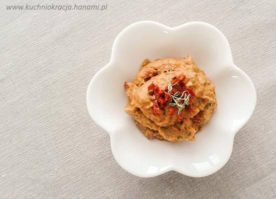 Pasta z bakłażana, czosnku i suszonych pomidorów, Fot. Hanami®
