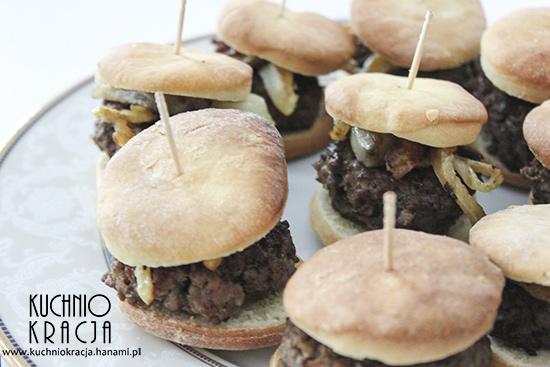Mini burgery z chipsami z topinambura i fenkułem, Fot. Hanami®
