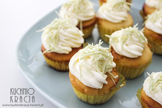 Babeczki waniliowe z lemon curd, Fot. Hanami®