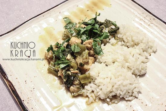Indyk z selerem naciowym i szpinakiem podany z ryżem, Fot. Hanami®