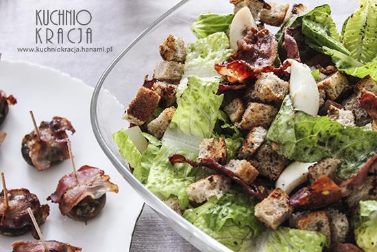 Męska sałatka z bekonem, jajkiem, grzankami i sałatą rzymską, Fot. Hanami®