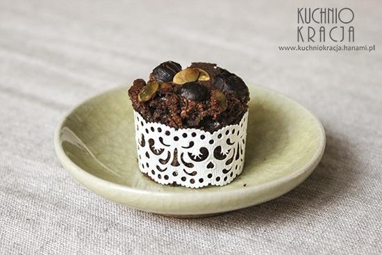 Ciasto czekoladowe z orzechami laskowymi i pestkami dyni, Fot. Hanami®