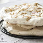 Zimowy tort bezowy