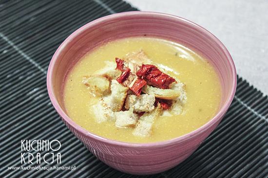 Zupa z dyni z grzankami, serem i suszonymi pomidorami, Fot. Hanami®