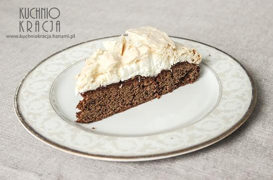 Ciasto czekoladowe z kremem i bezą kokosową, Fot. Hanami®