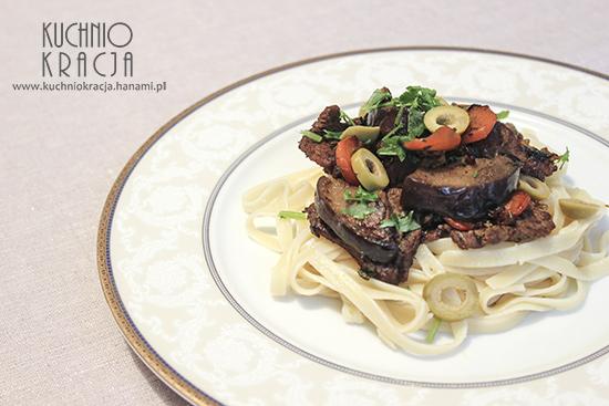 Wołowina z bakłażanem, cebulą i marchewką, Fot. Hanami®