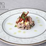 Sałatka tuńczyk, suszone pomidory, cytryna piritto i natka pietruszki