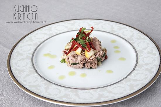 Sałatka tuńczyk, suszone pomidory, cytryna piritto i natka pietruszki, Fot. Hanami®