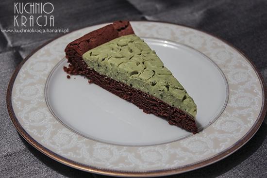 Ciasto czekoladowe bez mąki z kremem z zielonej herbaty matcha, Fot. Hanami®