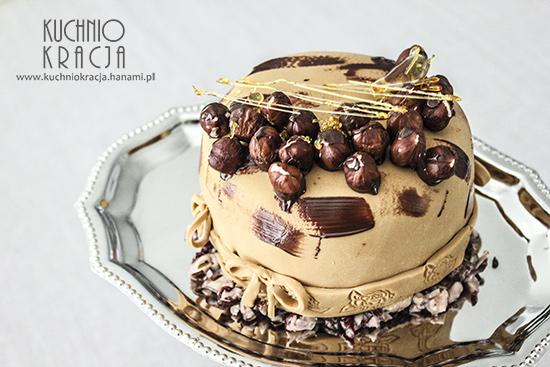 Tort z kremem czekoladowym i orzechami laskowymi,  Fot. Hanami®