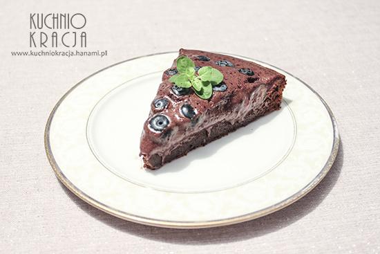 Ciasto czekoladowe bez mąki z kremem czekoladowo-jagodowym, Fot. Hanami®