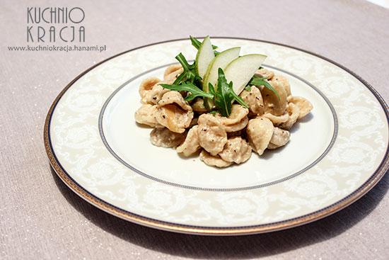 Makaron z boczkiem, cebulą, czosnkiem, mascarpone i gorgonzolą,  Fot. Hanami®