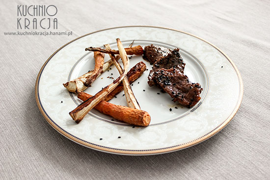 Wołowina z sezamem i pieczonymi warzywami,  Fot. Hanami®