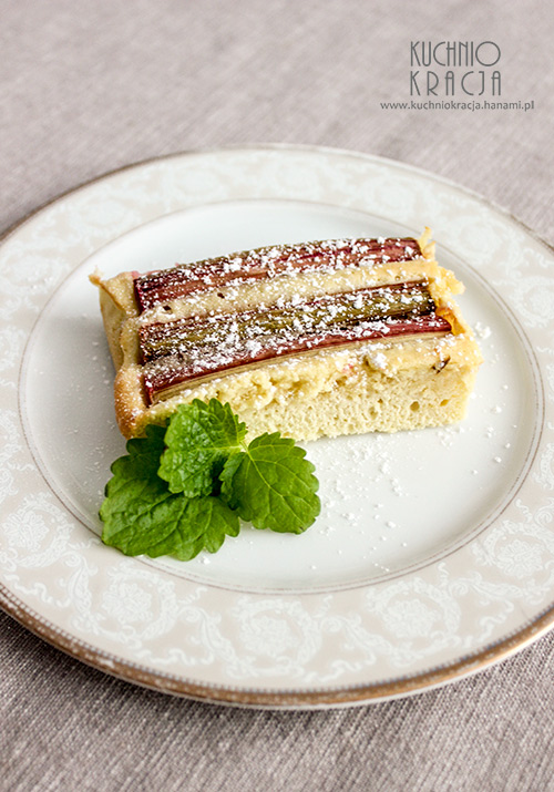 Delikatne ciasto z rabarbarem, Hanami