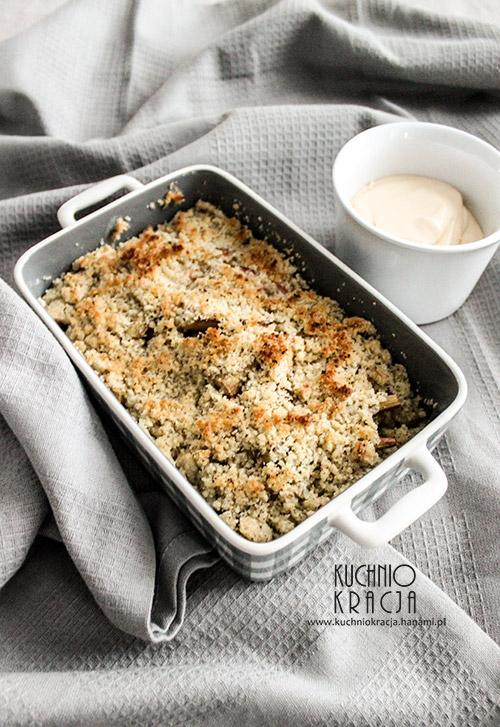 Rabarbarowe crumble z mąką z siemienia lnianego, Fot. Hanami®