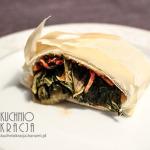 Roladki z ciasta filo z kimchi
