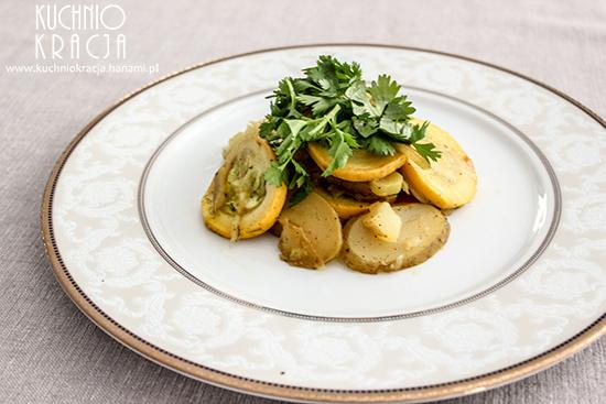 Młode ziemniaki, cukinia, por, cebula i kolendra, Fot. Hanami®
