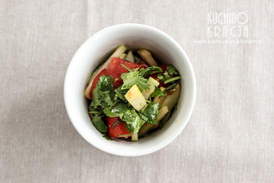 Sałatka pomidory, kalarepa, czosnek, kolendra, Fot. Hanami®