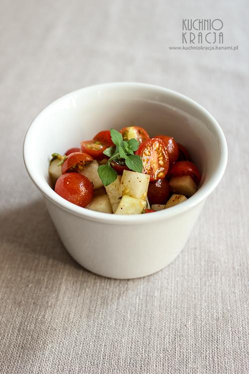 Kalarepa z pomidorami koktajlowymi,  Fot. Hanami®