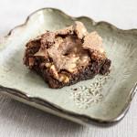 Ciasto czekoladowe bez mąki z orzeszkami ziemnymi