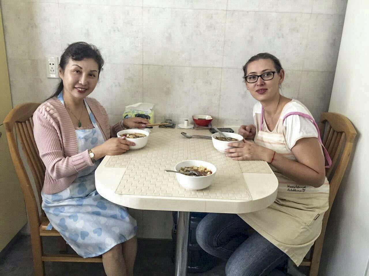 Śniadanie chińsko-europejskie z panią Du Jing