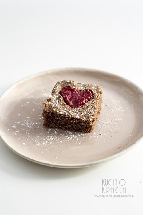 Ciasto kakaowe z dżemem malinowym, Fot. Hanami