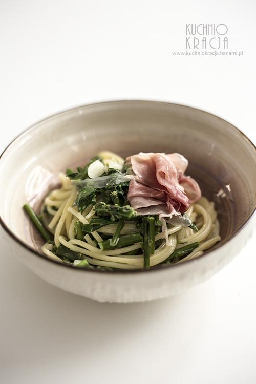 Makaron ze szparagami i czosnkiem, Fot. Hanami