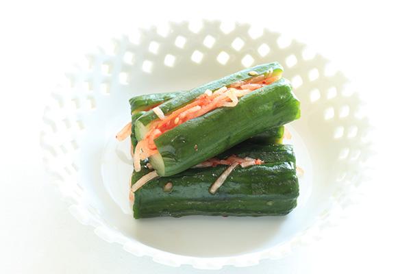 Oi sobagi (kimchi z ogórkiem, wegańskie), Fot. jreika / Shutterstock.com