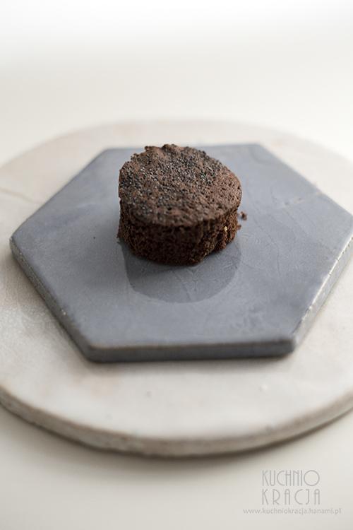 Ciasto czekoladowe z makiem, Fot. Hanami