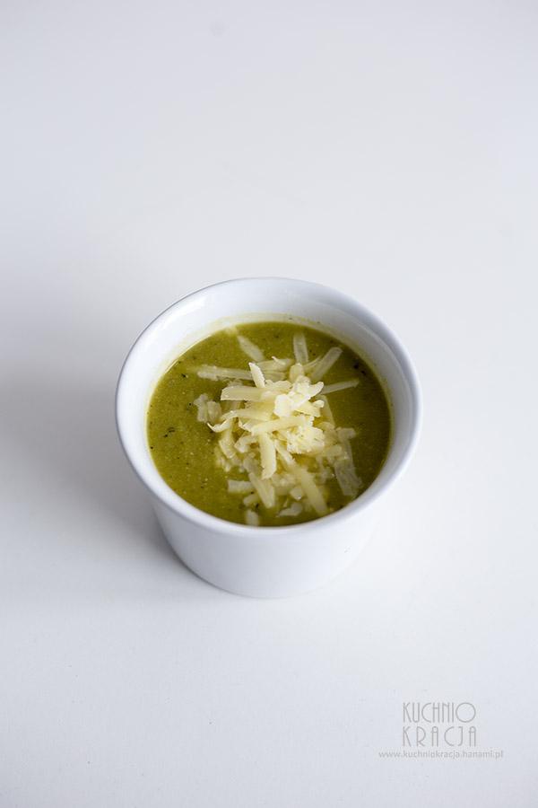 Krem z zielonego groszku z serem cheddar, Fot. Hanami