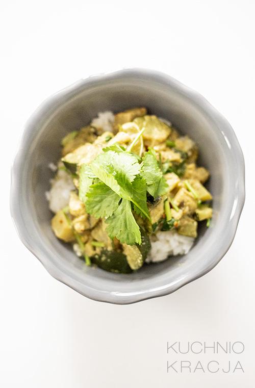 Curry z cukinią, bakłażanem i kolendrą, Fot. Hanami