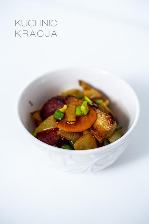 Schab z chorizo, kimchi i cebulą, Fot. Hanami