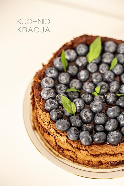 Ciasto czekoladowe bez mąki z borówkami amerykańskimi